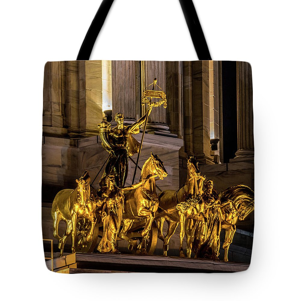 Minnesota State Capital Tote Bag featuring the photograph Minnesota State Capital by Paul Freidlund