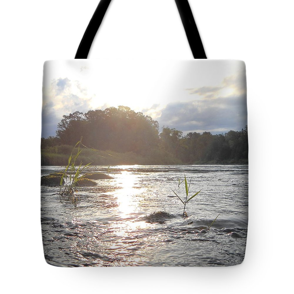 Mississippi River Tote Bag featuring the photograph Mississippi River Victory At Sea by Kent Lorentzen