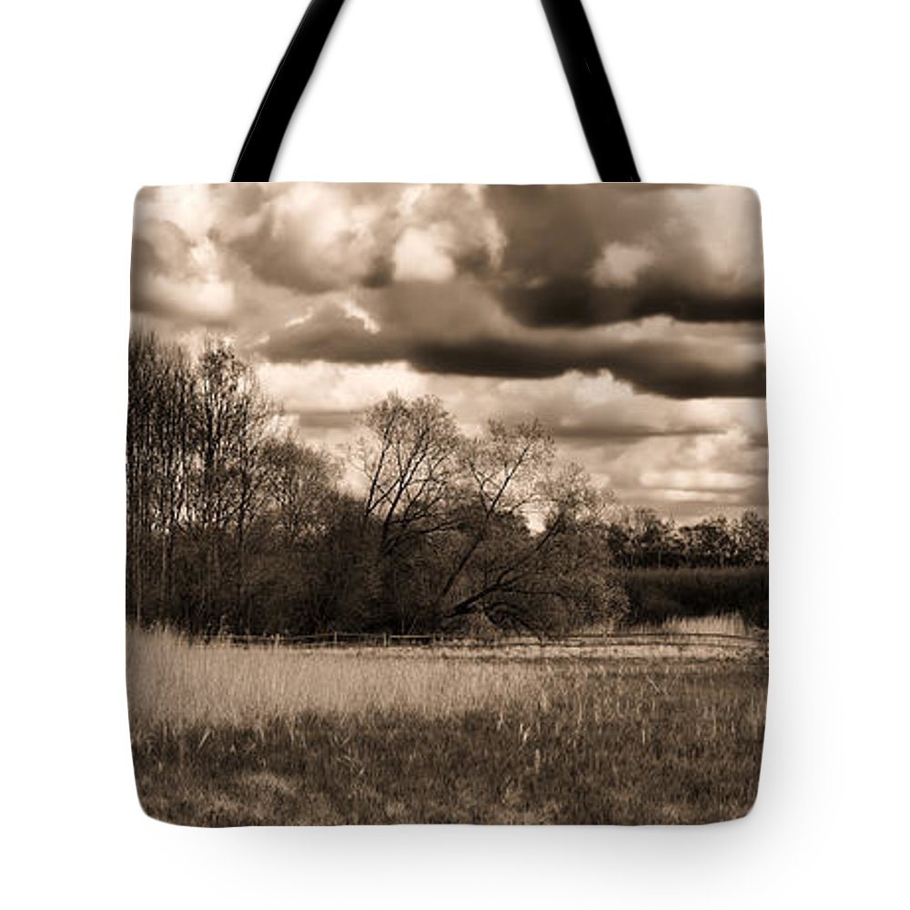 Monochrome Tote Bag featuring the photograph Monochrome Grongarn Pan by Leif Sohlman