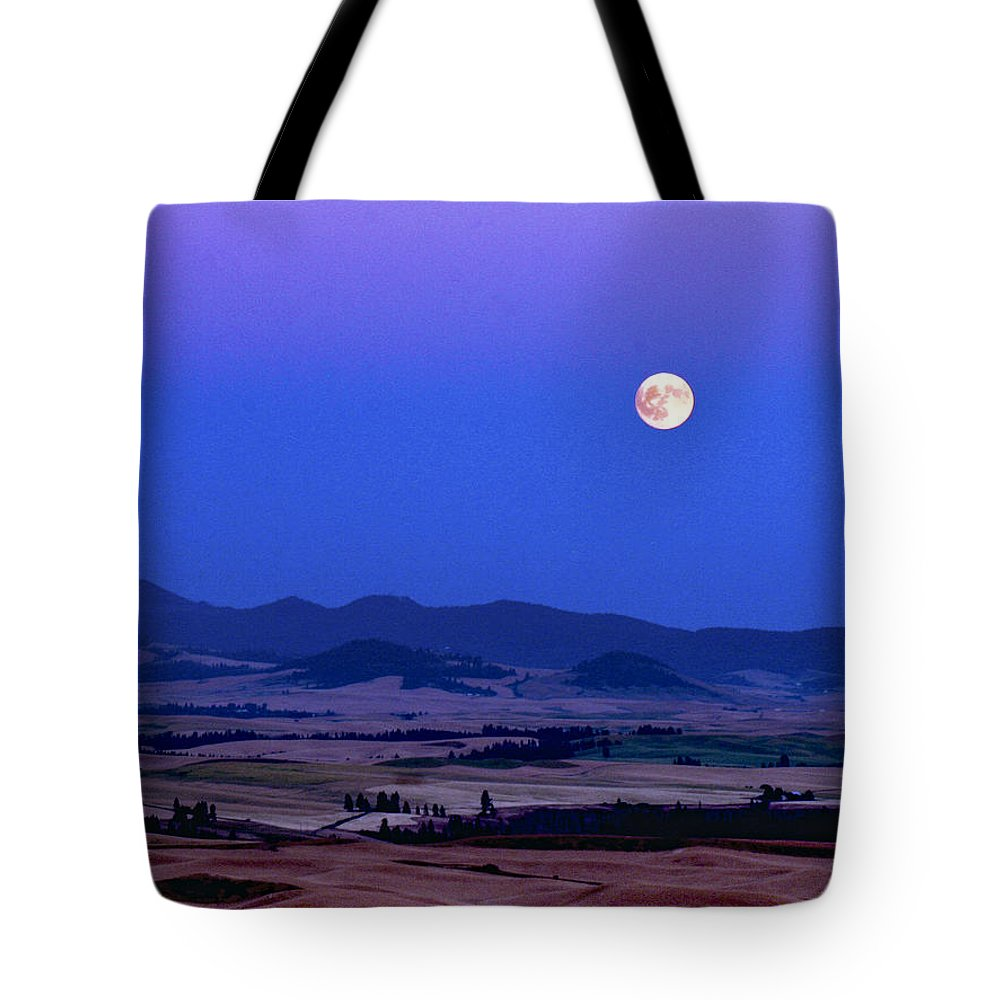Jean Noren Tote Bag featuring the photograph Moonrise Over The Palouse By Jean Noren by Jean Noren