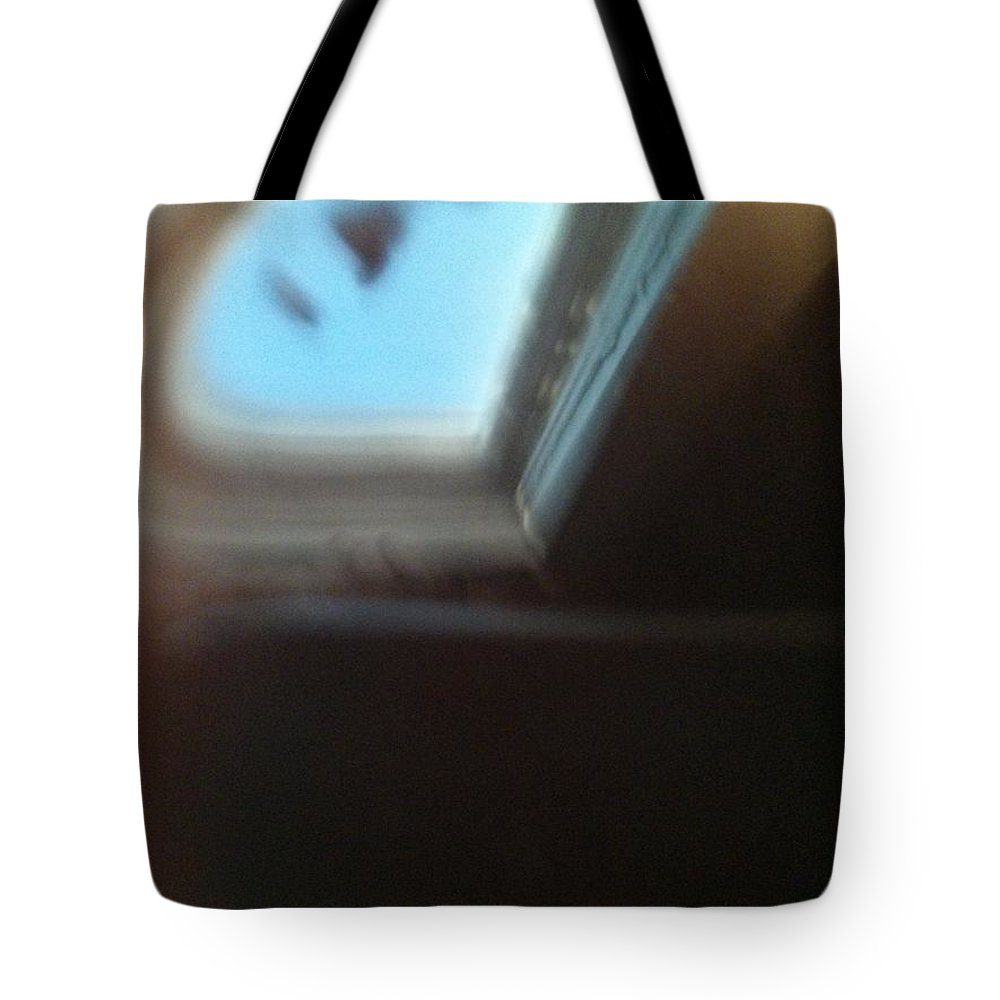 Tea Tote Bag featuring the photograph Morning Reflections 41161 by Joseph Lane