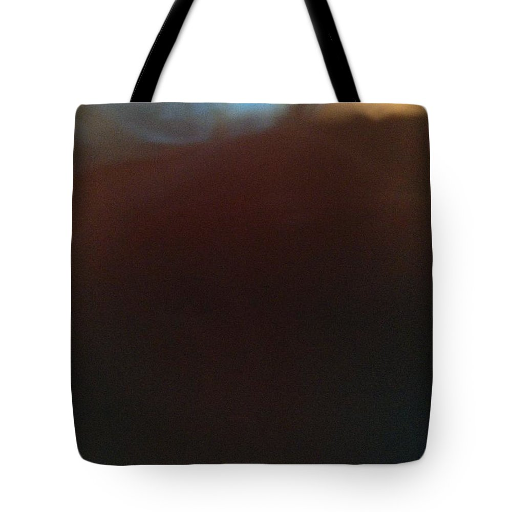 Tea Tote Bag featuring the photograph Morning Reflections 41165 by Joseph Lane