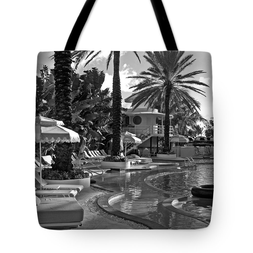 Florida Tote Bag featuring the photograph Morning Serenity by Dale Chapel