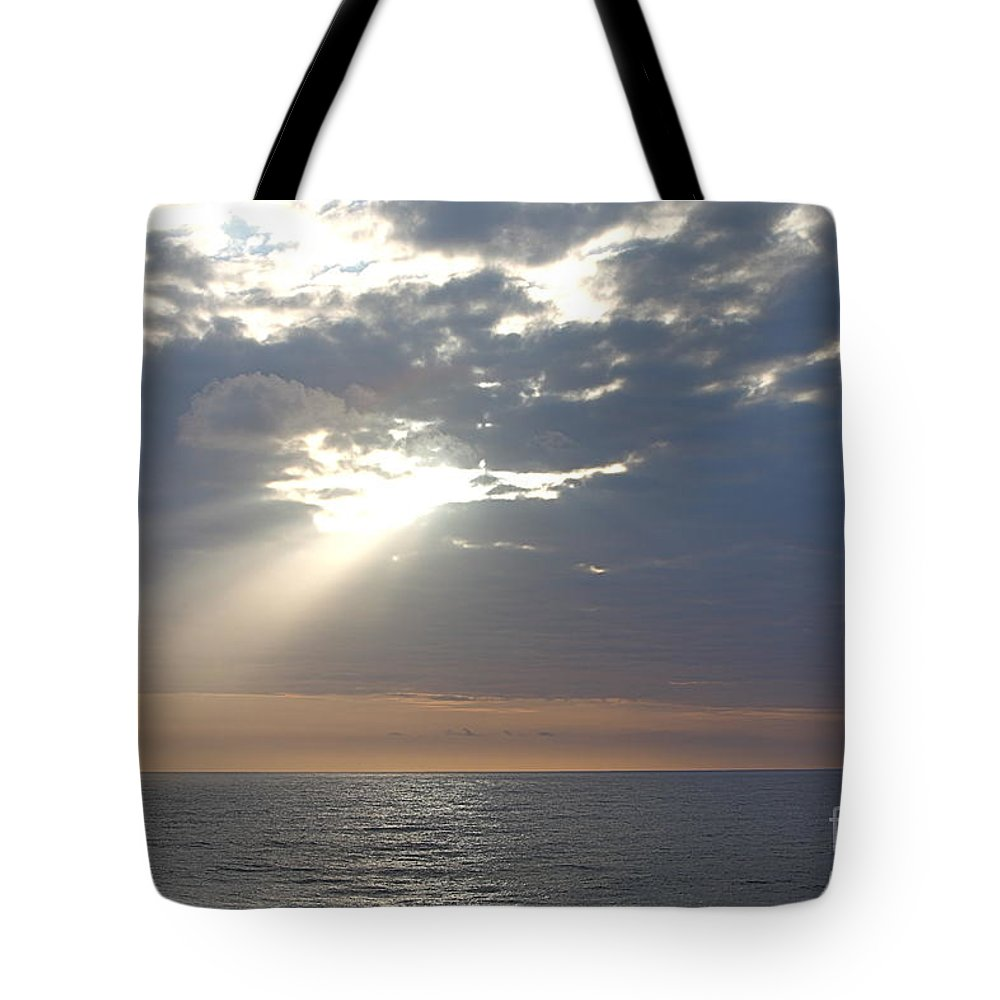 Sky Tote Bag featuring the photograph Morning Sunburst by Nadine Rippelmeyer