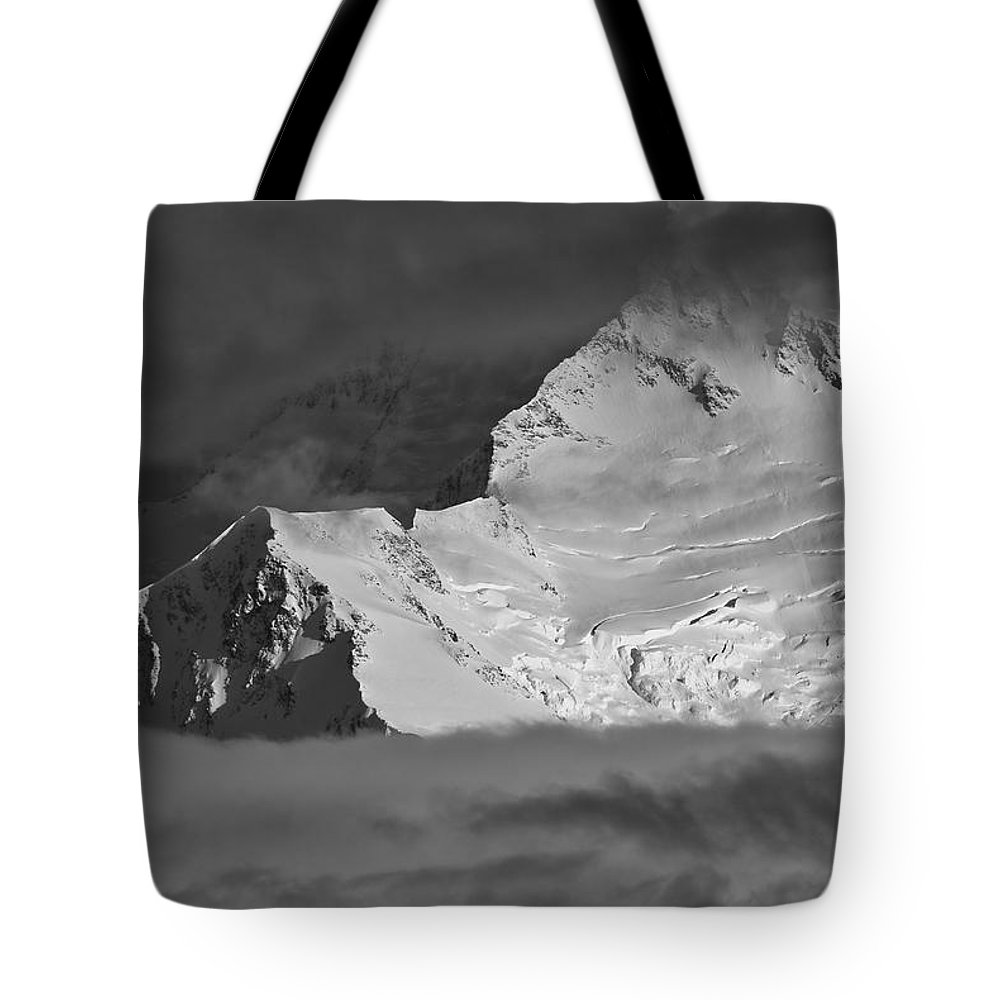Alaska Tote Bag featuring the photograph Mount Mckinley by Max Steinwald