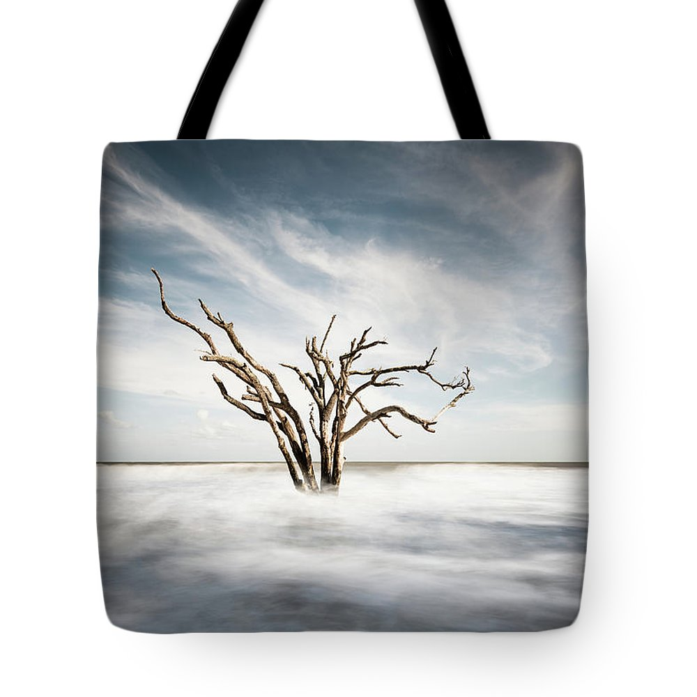 Botany Bay Tote Bag featuring the photograph Movement by Ivo Kerssemakers