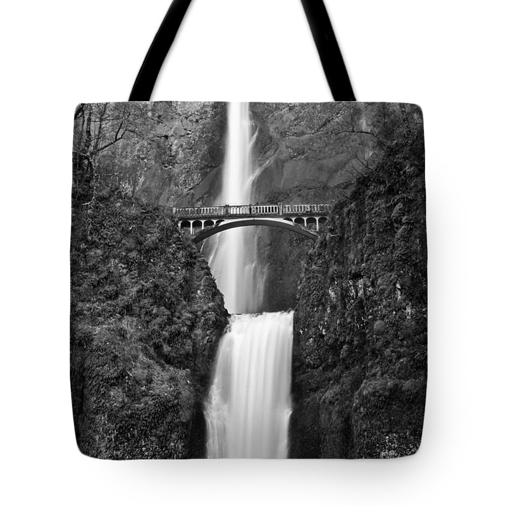 Park Tote Bag featuring the photograph Multnomah Falls by Jim Chamberlain