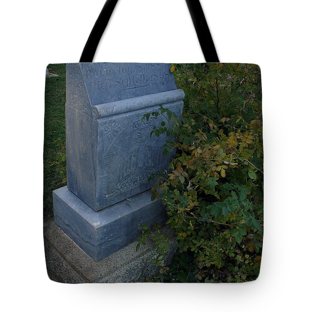Headstone Tote Bag featuring the photograph Myrtle At Rest by Peter Piatt