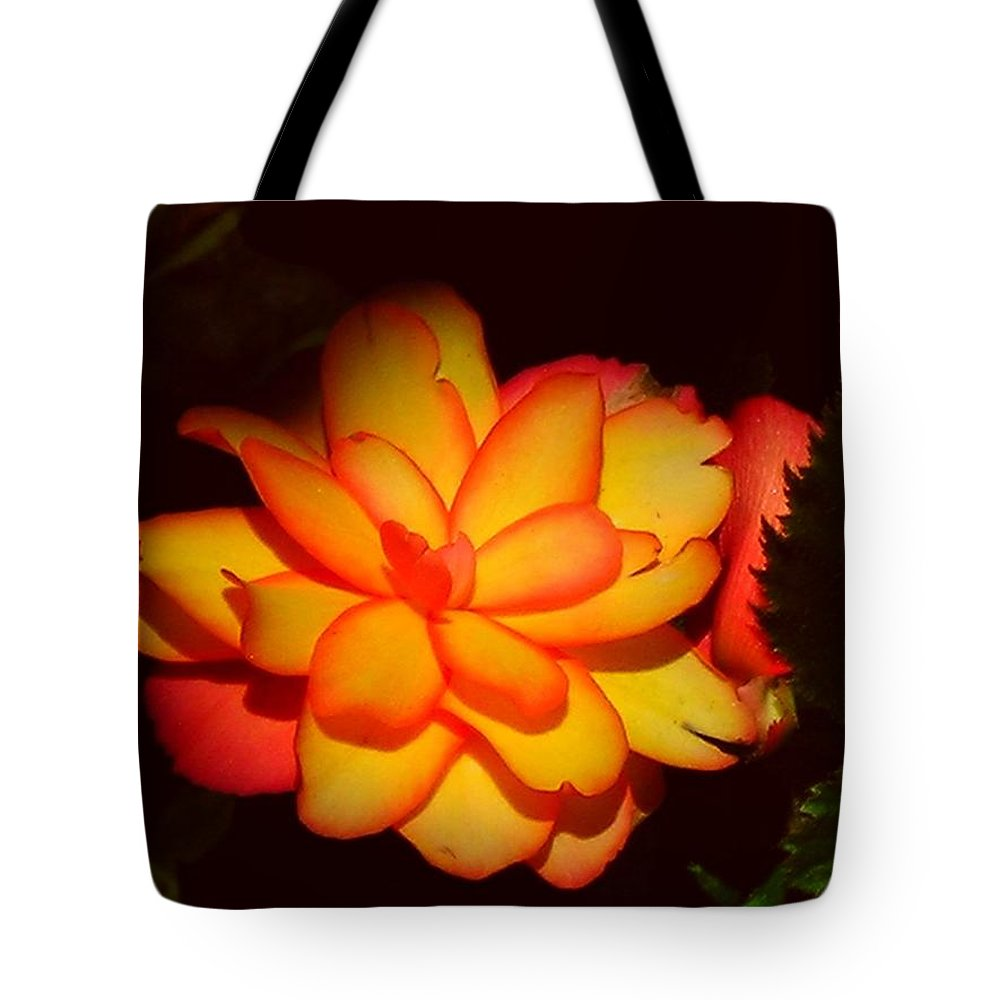 Flower Tote Bag featuring the photograph Mystic by Juergen Weiss
