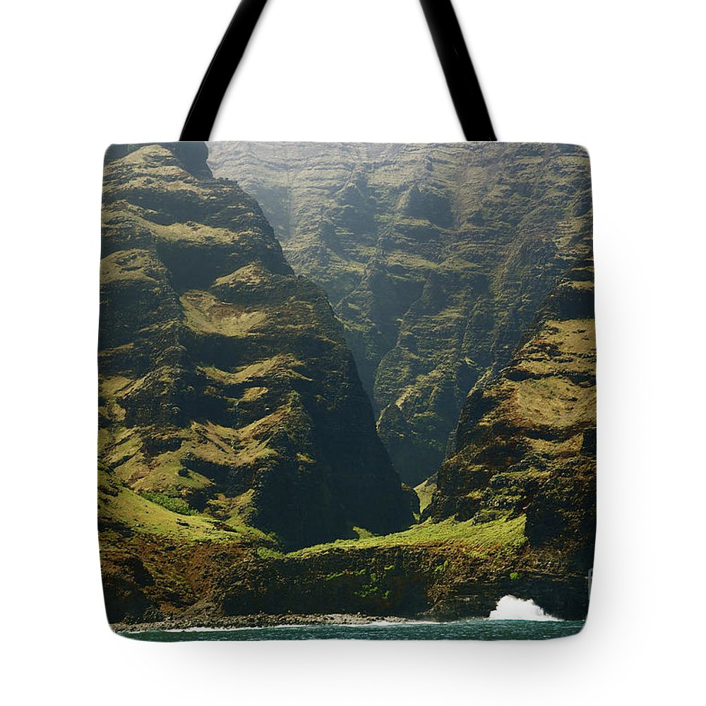 Beautiful Tote Bag featuring the photograph Na Pali 1 by Kicka Witte - Printscapes