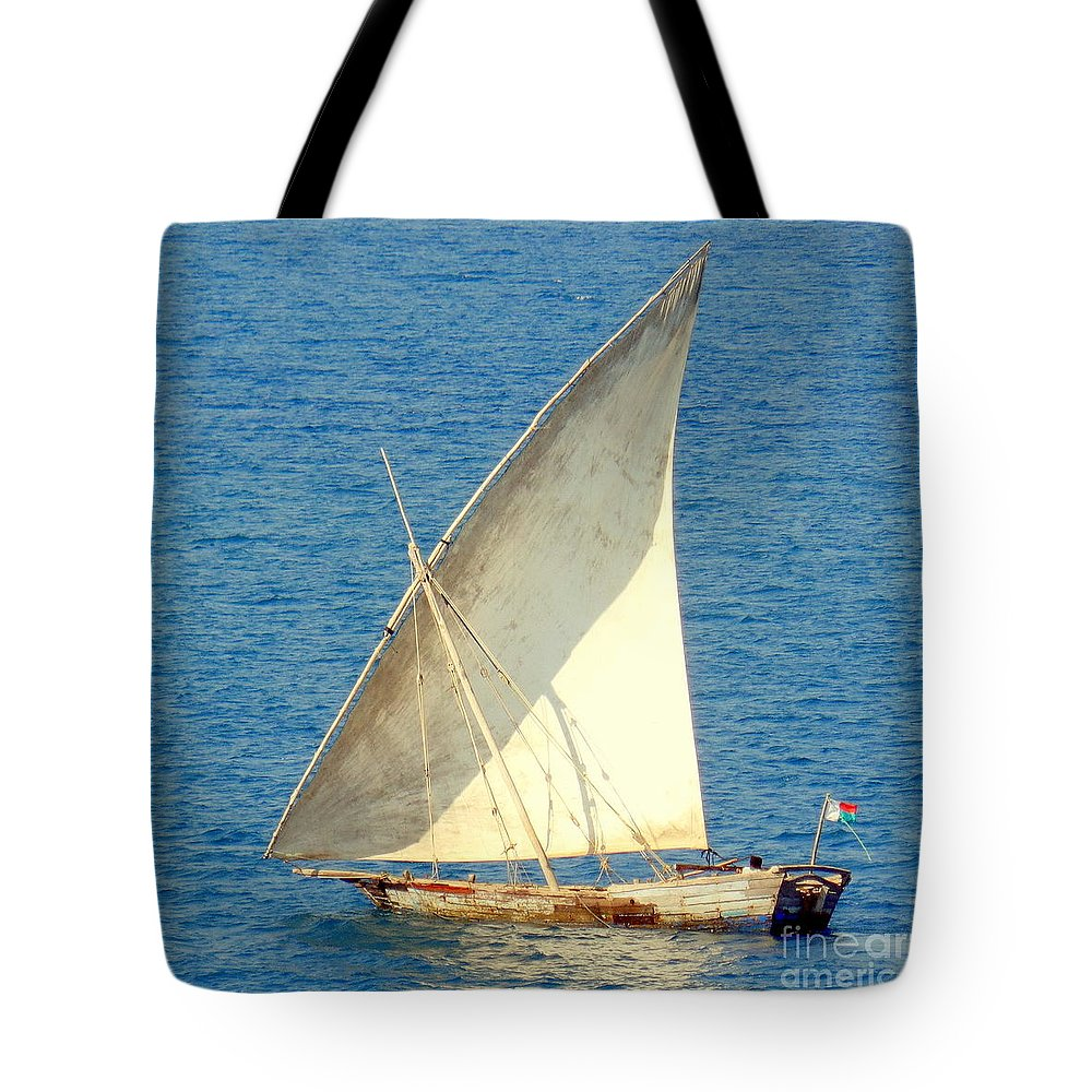Sail Boat Tote Bag featuring the photograph Native Sail Boat by John Potts