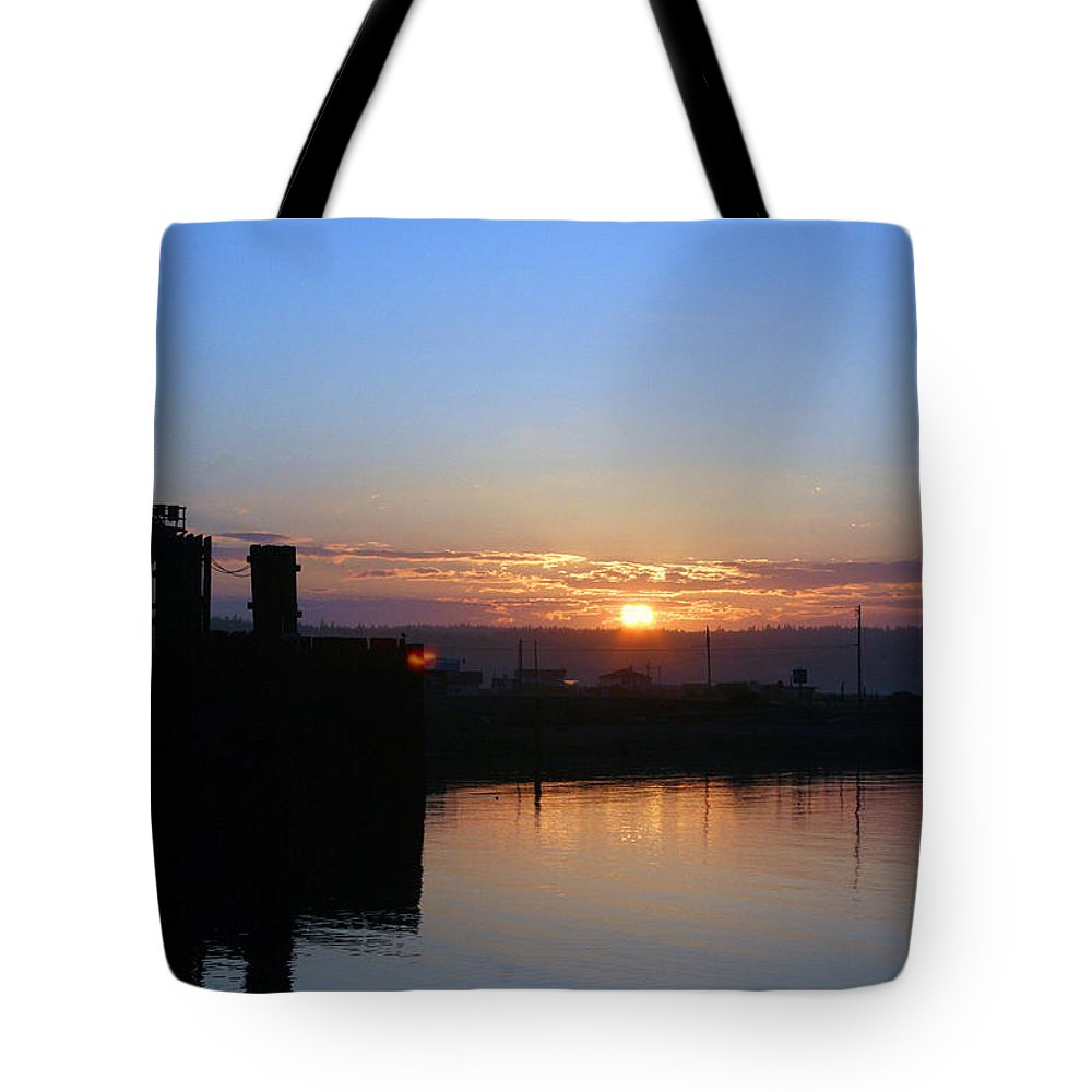 Sunrise Tote Bag featuring the photograph New Beginnings - Keystone Sunrise Sr 1003 by Mary Gaines