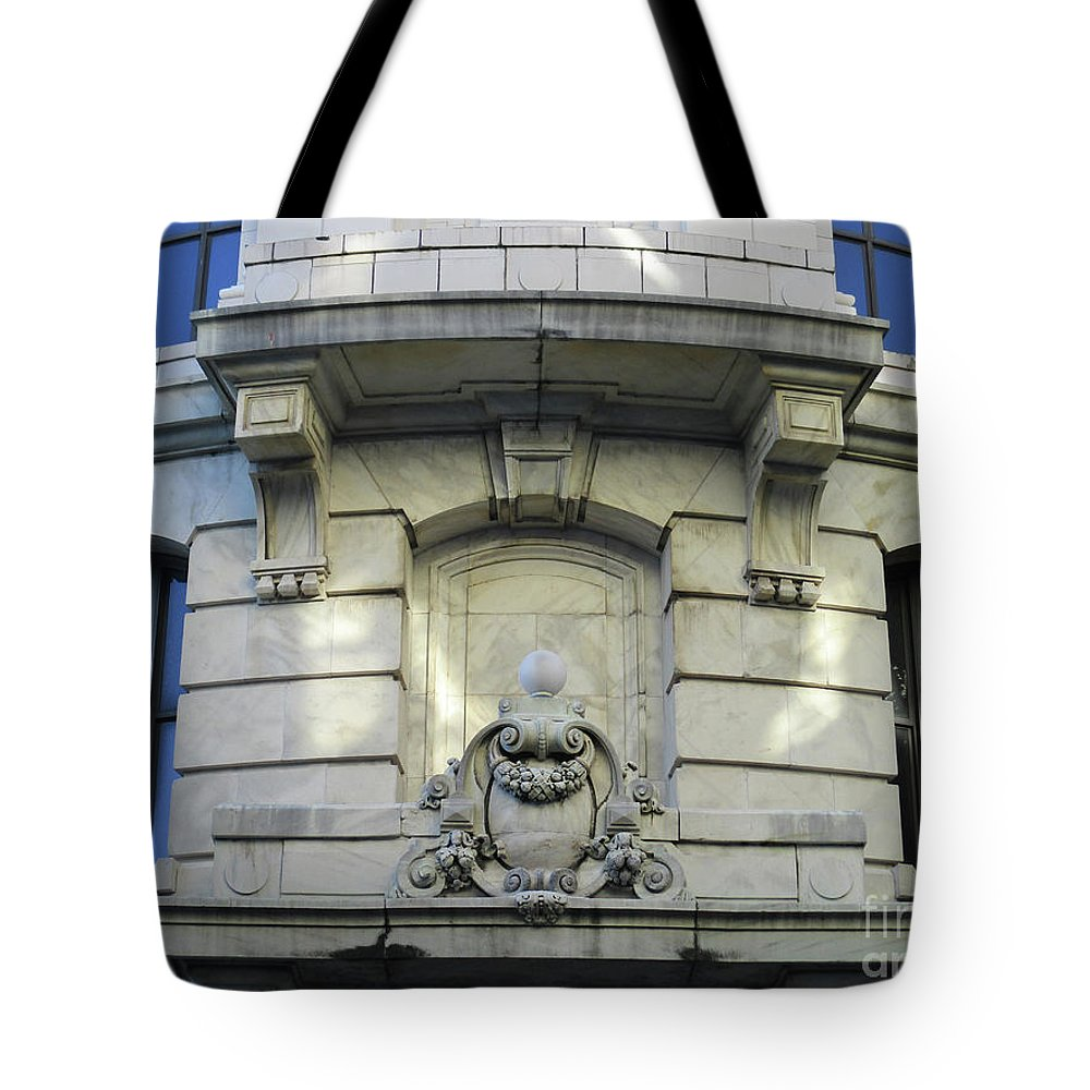 New Orleans Tote Bag featuring the photograph New Orleans 11 by Randall Weidner