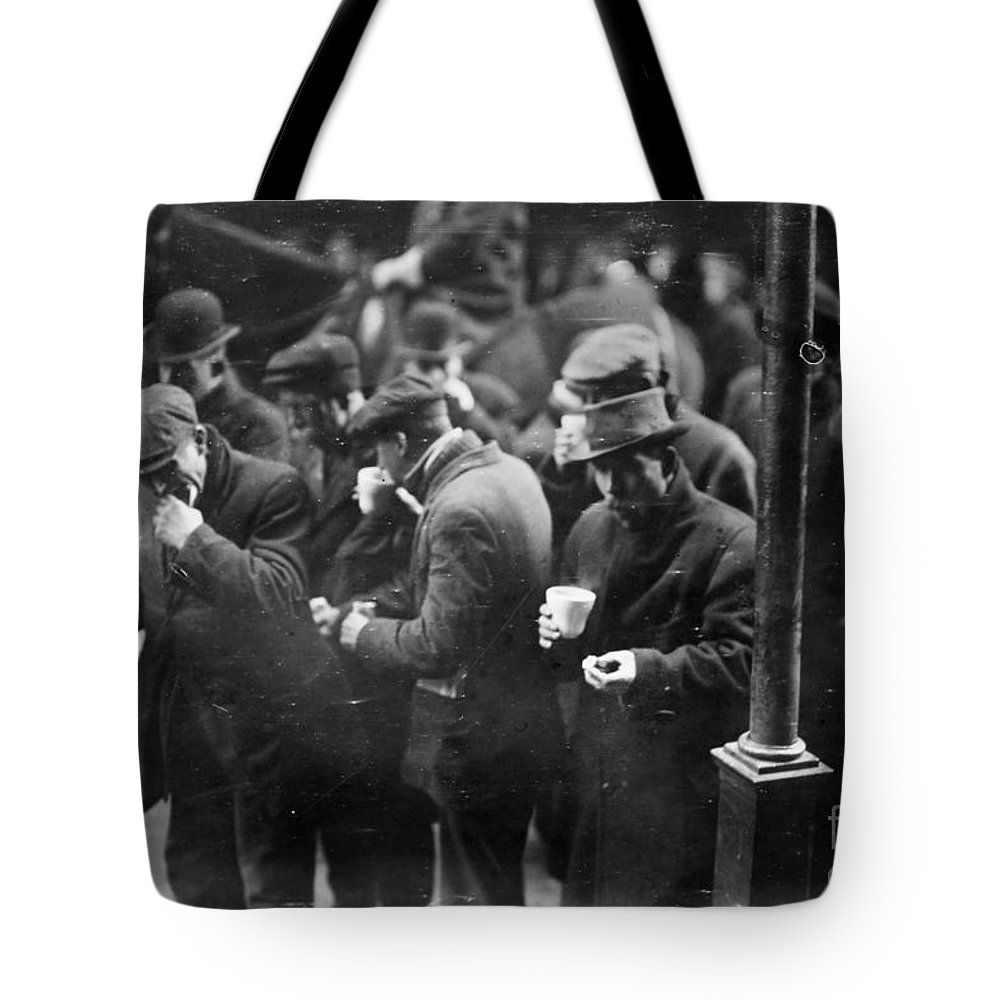 1915 Tote Bag featuring the photograph New York: Bread Line, 1915 by Granger