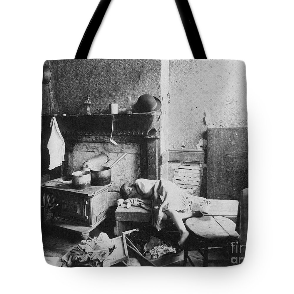 1896 Tote Bag featuring the photograph New York: Tenement Life by Granger