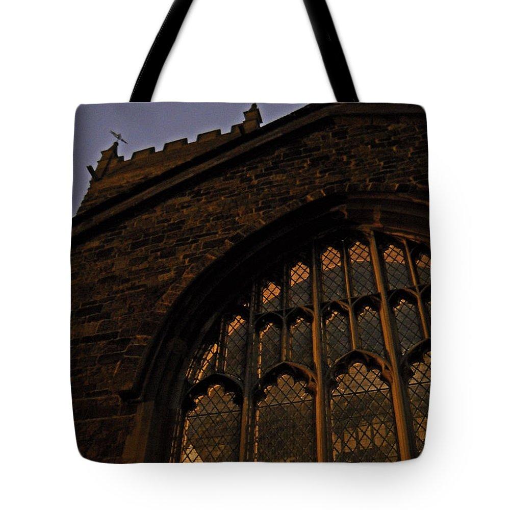 England Tote Bag featuring the photograph Northampton Church At Dusk by Julia Raddatz