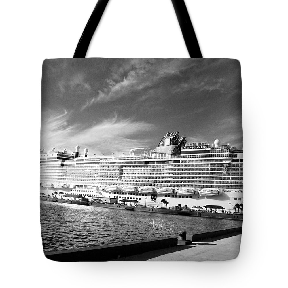 Massive Ship Tote Bag featuring the photograph Norwegian Epic Visit by David Coleman