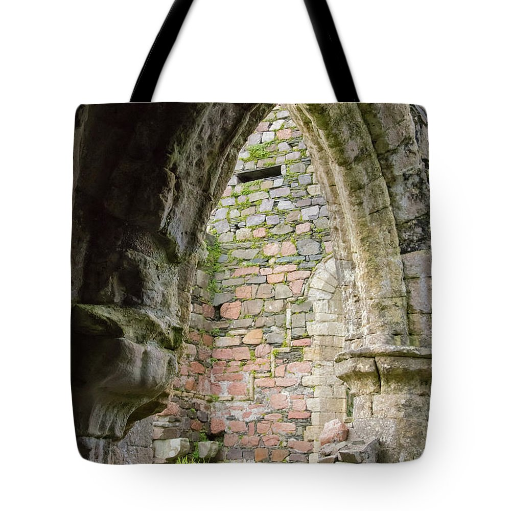 Isle Of Iona Tote Bag featuring the photograph Nunnery Arch by Bob Phillips