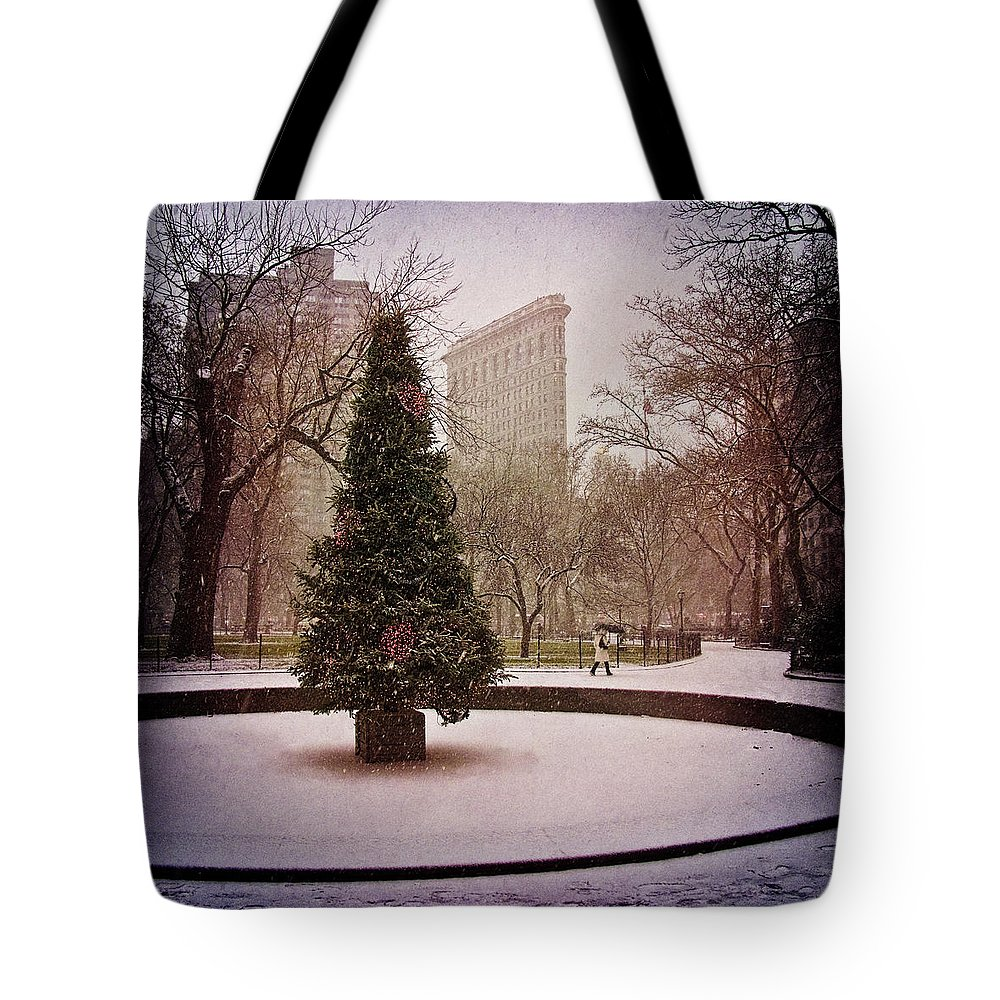 Christmas Tote Bag featuring the photograph Nyc Christmas by Chris Lord