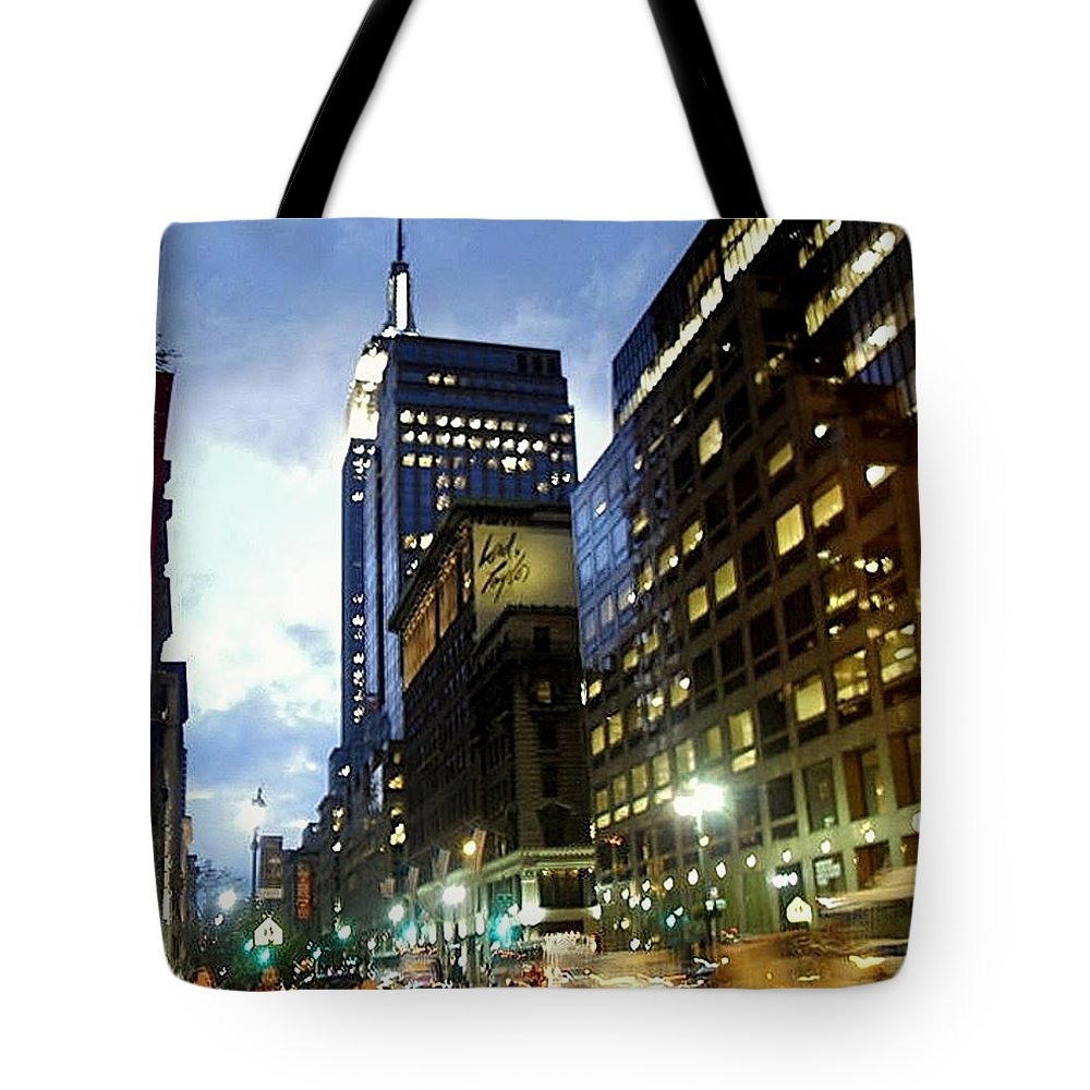 Cityscape Tote Bag featuring the photograph Nyc Fifth Ave by Vannetta Ferguson