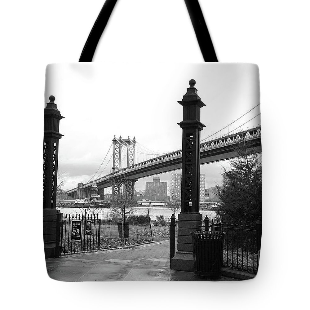 Nyc Tote Bag featuring the photograph Nyc Manhattan Bridge Bw by Chuck Kuhn