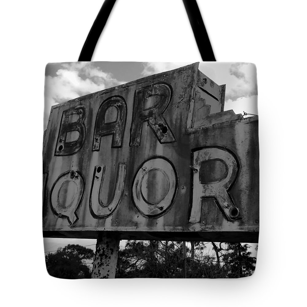 Bar Tote Bag featuring the photograph Oasis by David Lee Thompson
