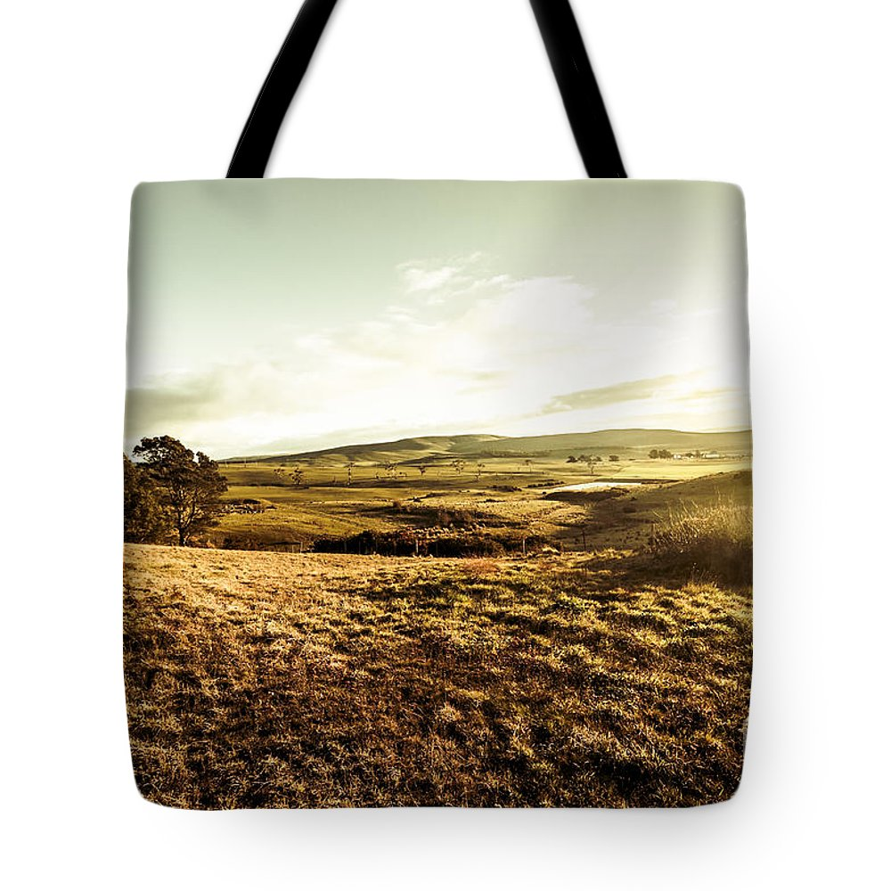 Landscape Tote Bag featuring the photograph Oatlands Rolling Hills by Jorgo Photography - Wall Art Gallery