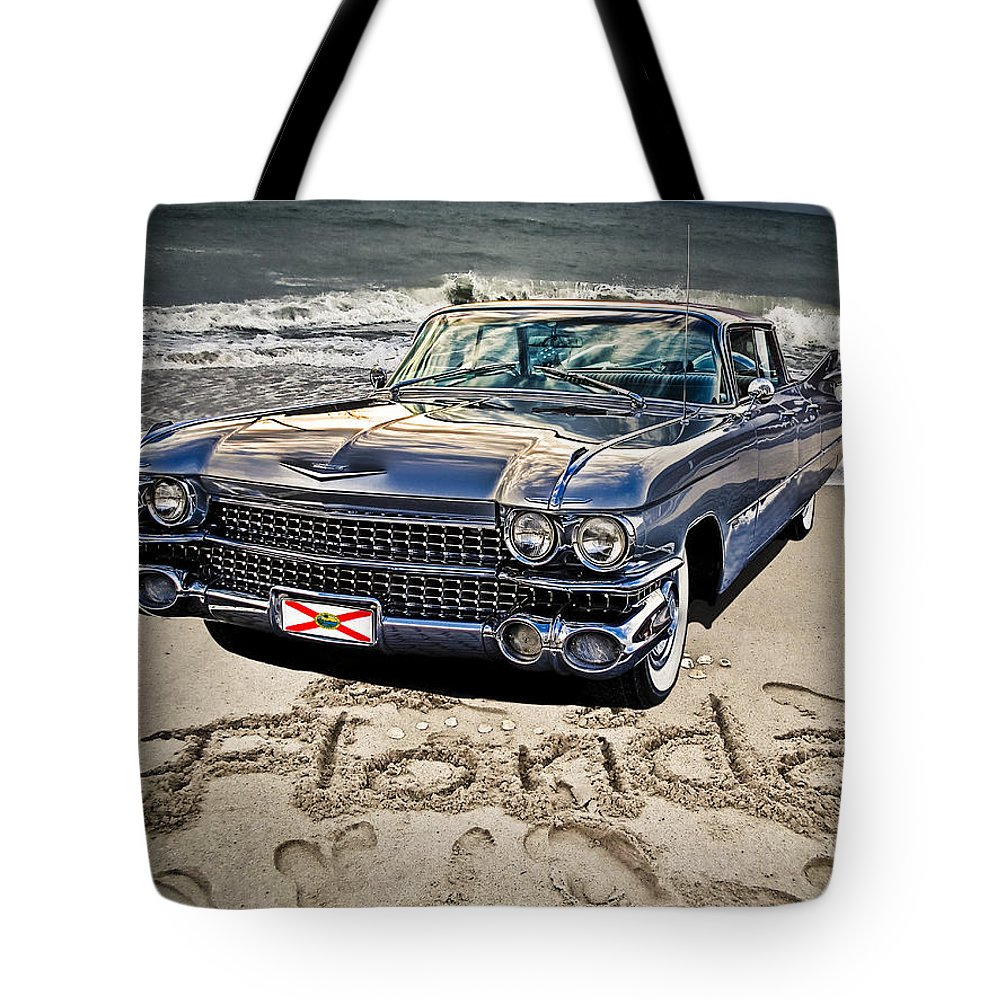 Cadillac Tote Bag featuring the photograph Ocean Drive by Joachim G Pinkawa