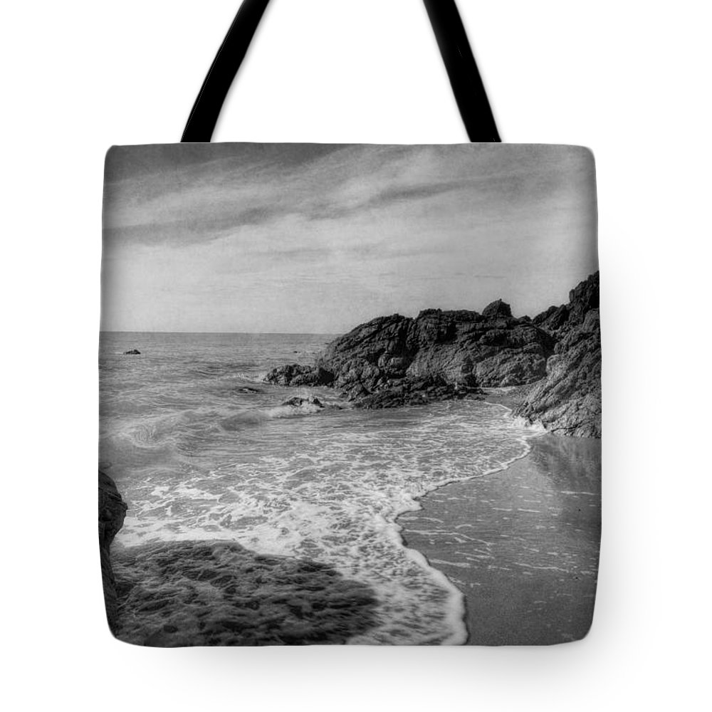 Sea Tote Bag featuring the photograph Ocean Rush by Ian Mitchell