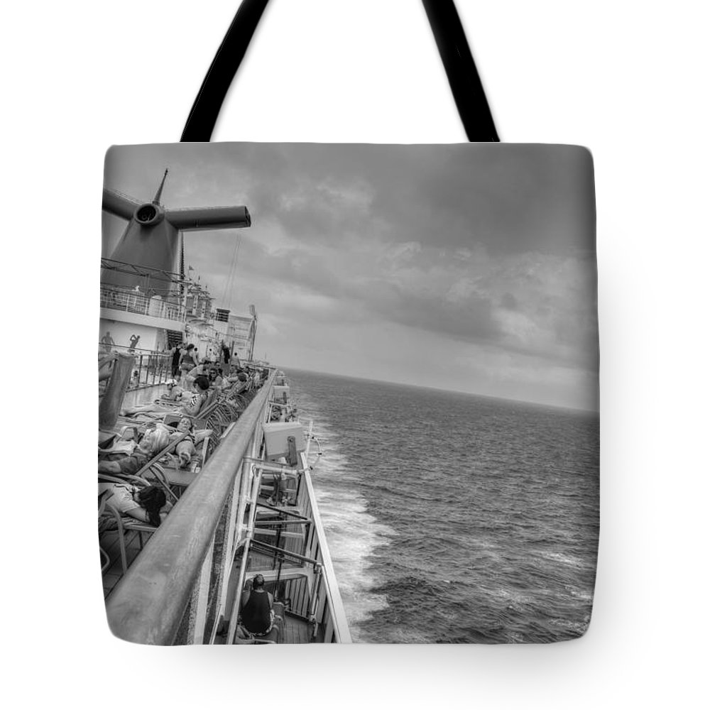 Honduras Tote Bag featuring the photograph Ocean View by Bill Hamilton