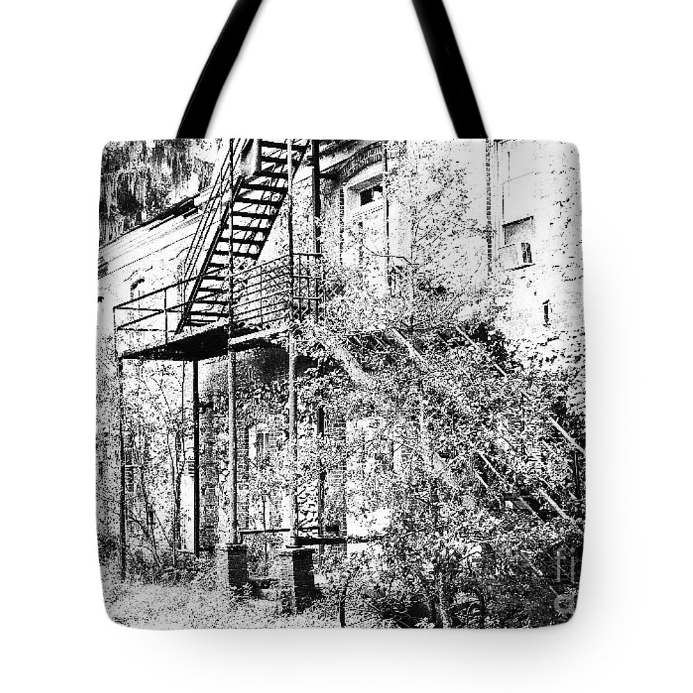 Florida Tote Bag featuring the photograph Old Black And White House by Geoffrey Shaffer