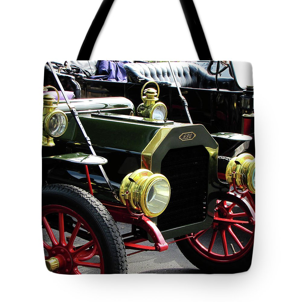 Antique Tote Bag featuring the photograph Old Buick by Peg Urban