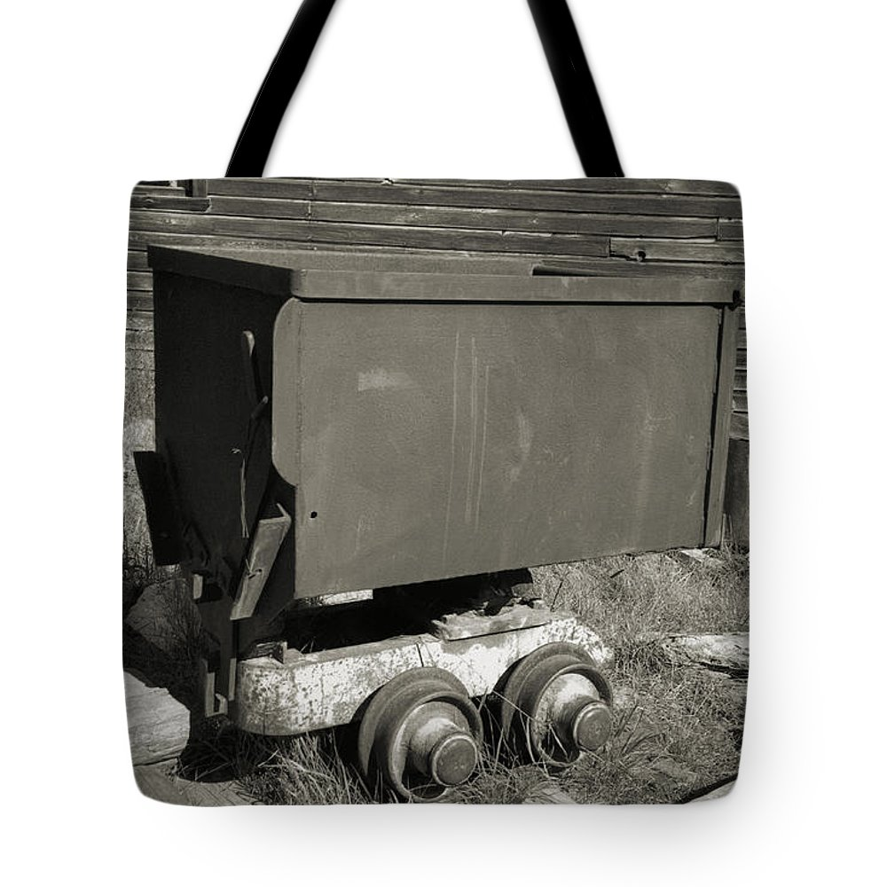 Ore Cart Tote Bag featuring the photograph Old Mining Cart by Richard Rizzo