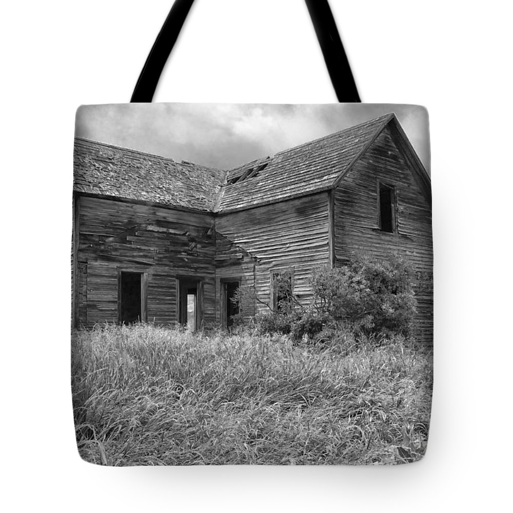 Hdr Tote Bag featuring the photograph Old Montana Farmhouse by Sandra Bronstein