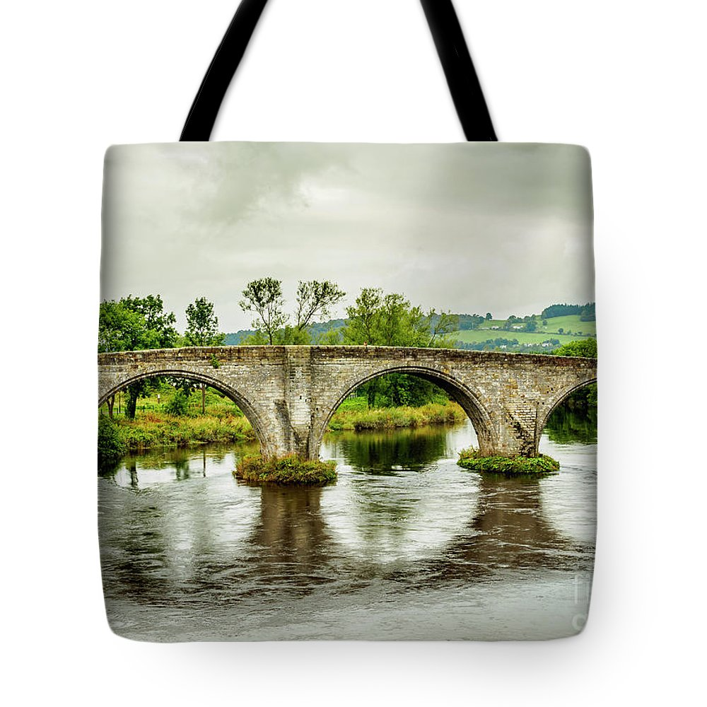 Stirling Tote Bag featuring the photograph Old Stirling Bridge by Karol Kozlowski
