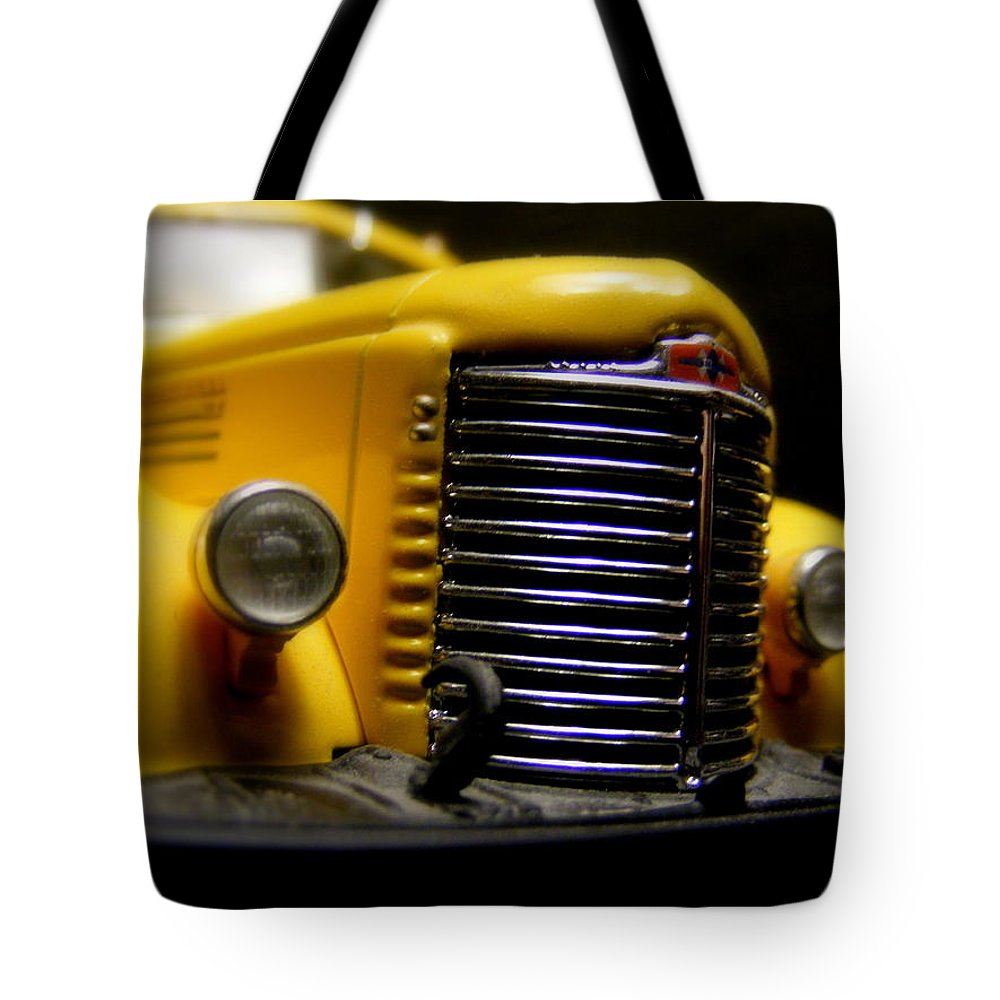 Old Work Horse Tote Bag featuring the photograph Old Work Horse by Ed Smith