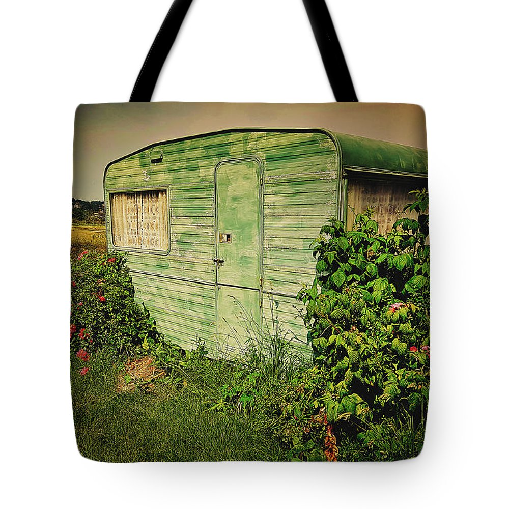 Caravan Tote Bag featuring the photograph On Caravan by Pixabay