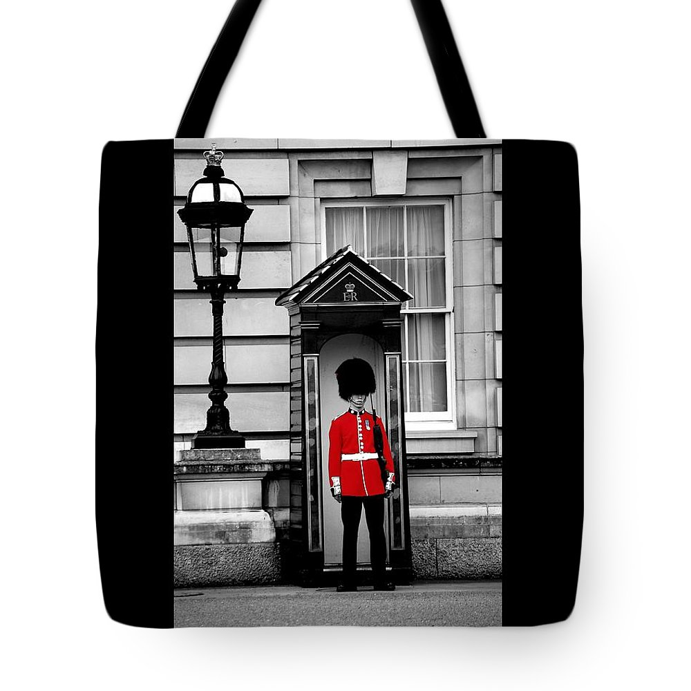 London Tote Bag featuring the photograph On Guard by J Todd