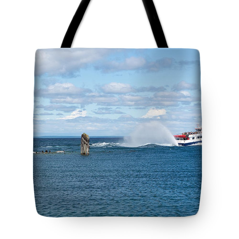 Boat Tote Bag featuring the photograph On It's Way by Linda Kerkau