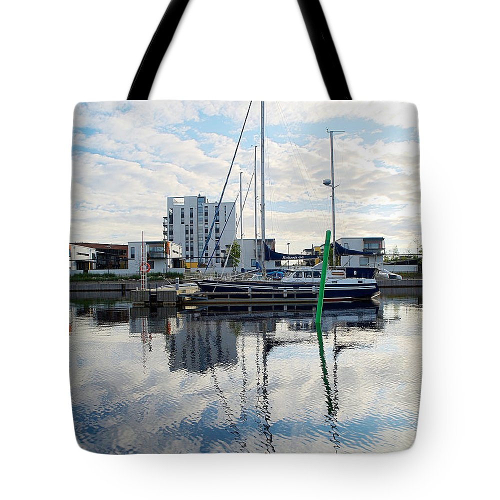 Oulu Tote Bag featuring the photograph Oulu From The Sea 1 by Jouko Lehto