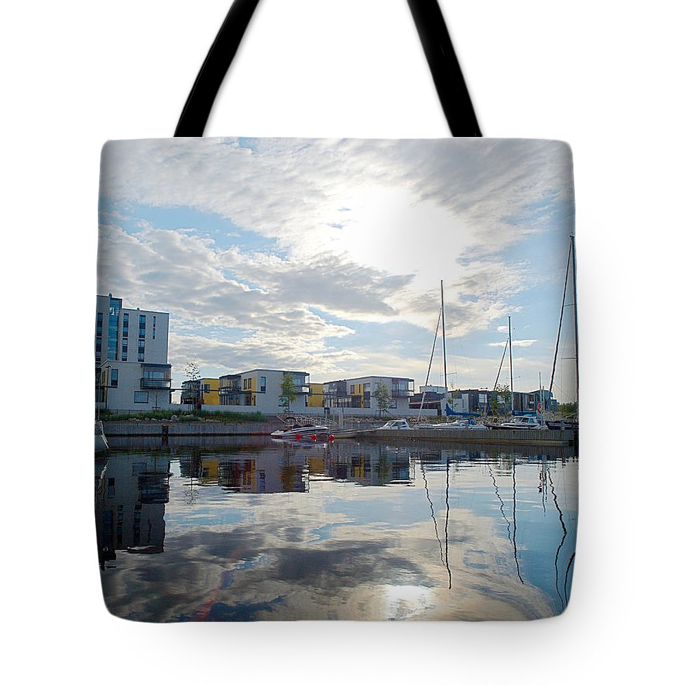 Oulu Tote Bag featuring the photograph Oulu From The Sea 2 by Jouko Lehto