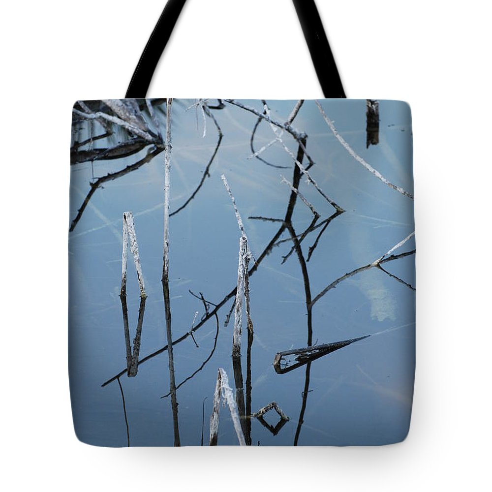 Wood Tote Bag featuring the photograph Out From The Water by Rob Hans