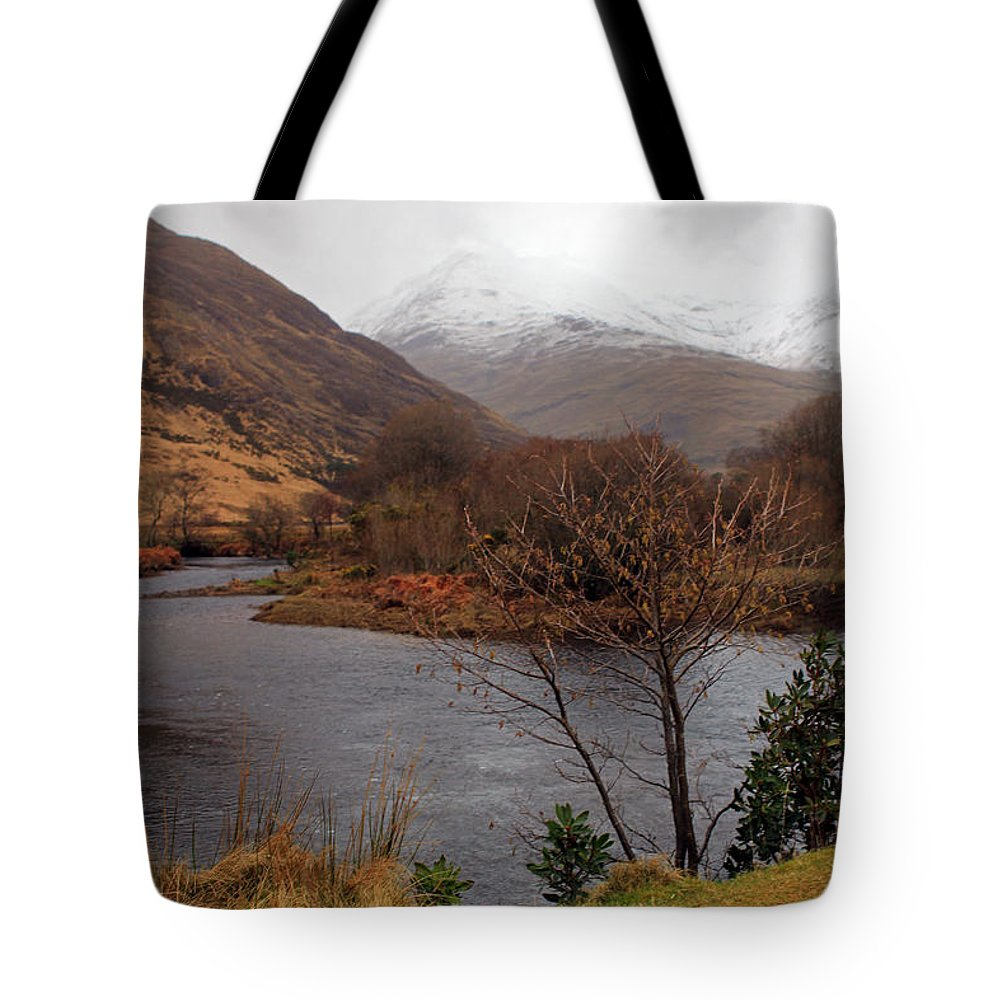 Mountians Tote Bag featuring the photograph Overlooking Beauty by Jennifer Robin