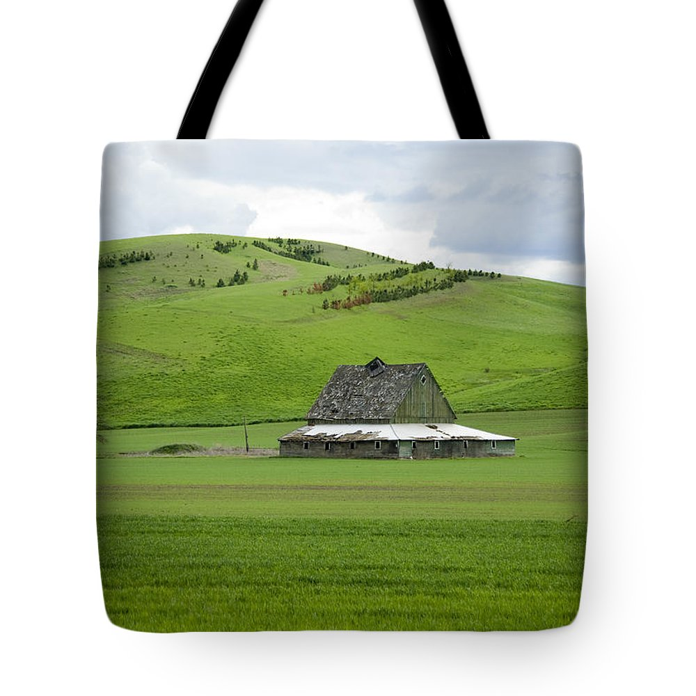 Palouse Tote Bag featuring the photograph Palouse Old Barn by Louise Magno
