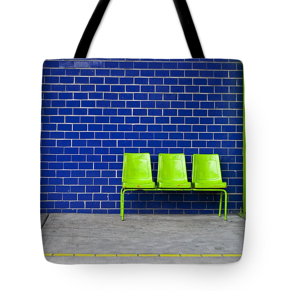 Green Tote Bag featuring the photograph Paradaxochi by Skip Hunt