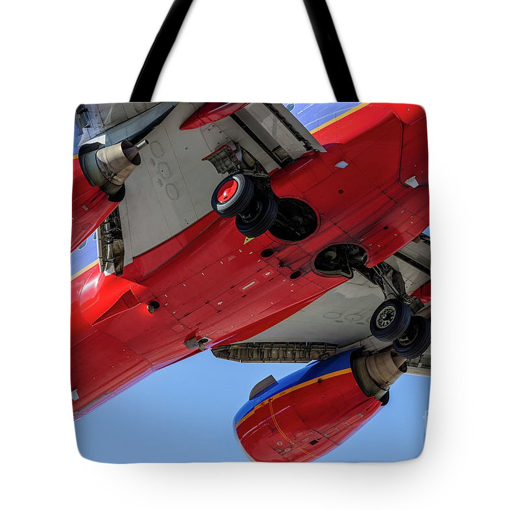 Commercial Tote Bag featuring the photograph Passenger Jet Coming In For Landing 10 by PhotoStock-Israel