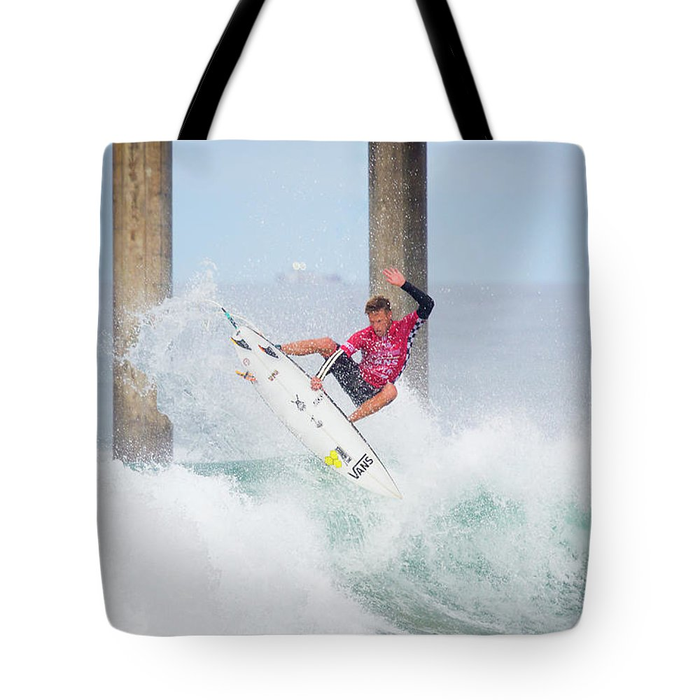 Us Open Of Surfing 2017 Tote Bag featuring the photograph Patrick Gudauskas 4336 by Brian Knott Photography