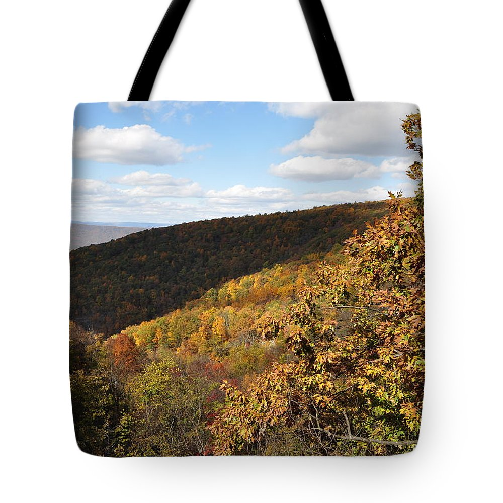 Shenandoah Tote Bag featuring the photograph Peak Foliage by Rachel Young