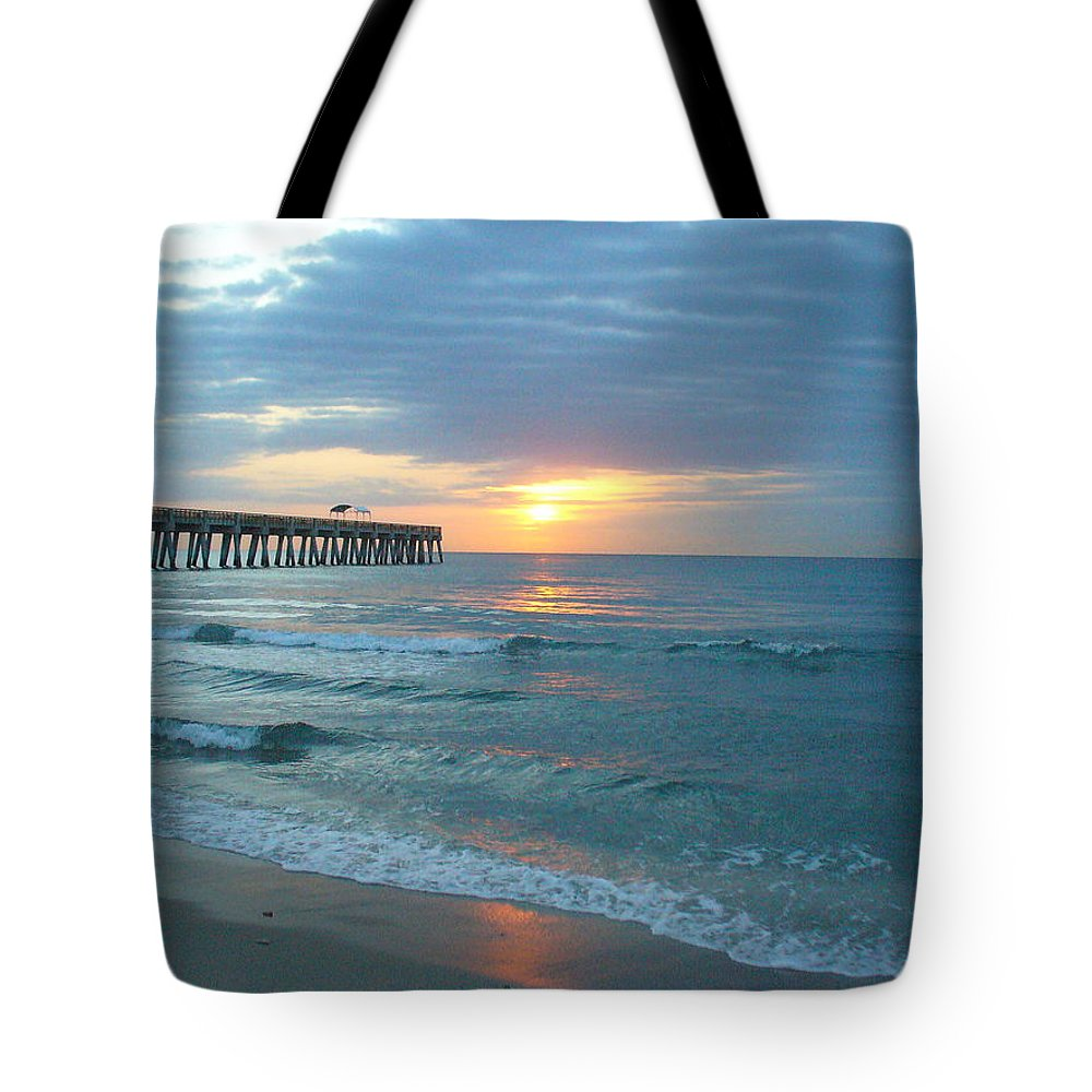 Water Tote Bag featuring the photograph Perfect Peace At 6 A.m. by Peggy King