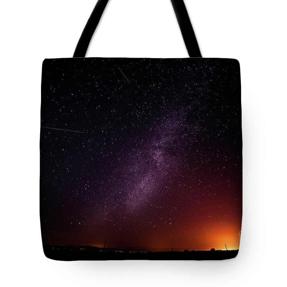 Night Tote Bag featuring the photograph Perseid Meteor Shower 2016 by Angelina Cornidez
